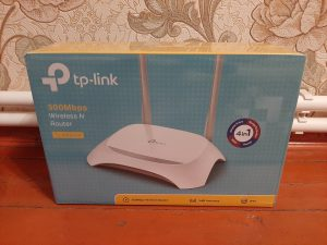 Router - TP-LINK 300 Mbps Wi-Fi